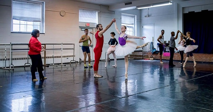 Laura Alonso trains Verb Ballets dancers in rehearsal